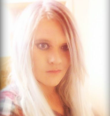 Sarah_Louise_2053