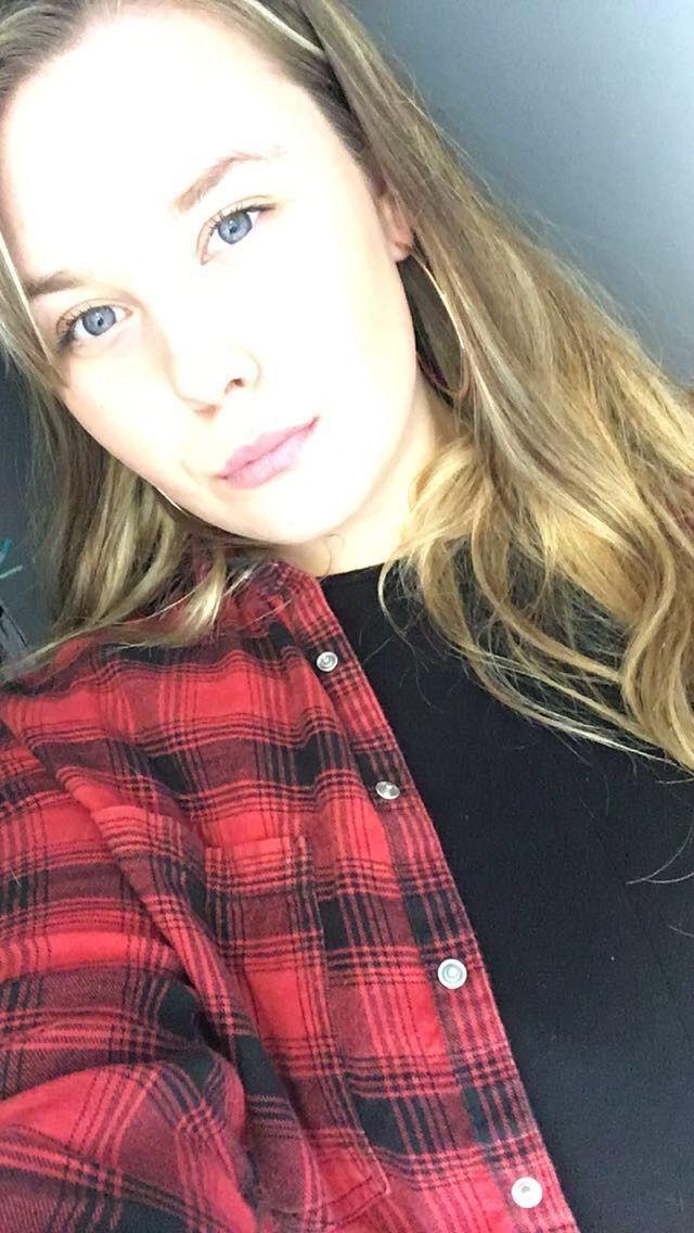Chloe_371